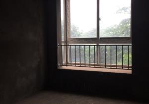 板式洋房装修,中间楼层,7米大阳台视野开阔,诚心出租图片